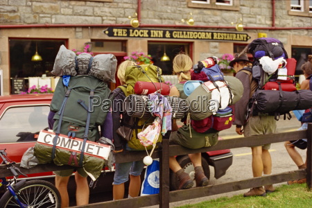 hitch hiking backpackers fort augustus highlands