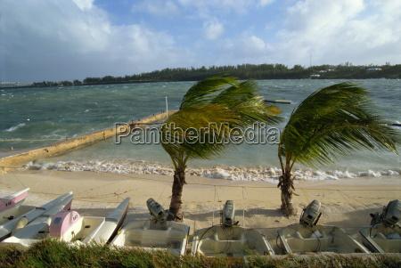 hurricane bermuda atlantic ocean central america