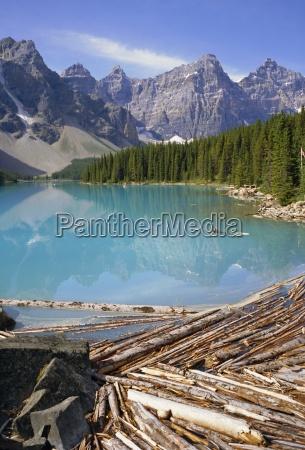 moraine lake rocky mountains alberta canada