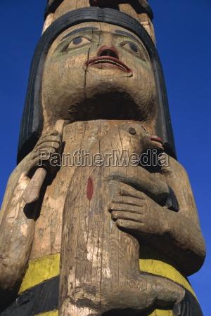 totem pole of shaman and land
