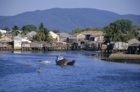 fishermens houses boats and weed gatherers
