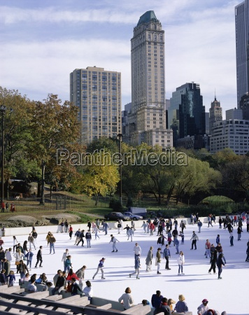 people skating in central park manhattan