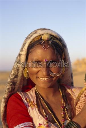 woman jaisalmer rajasthan india