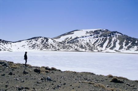 hiker on tongariro crossing trek by