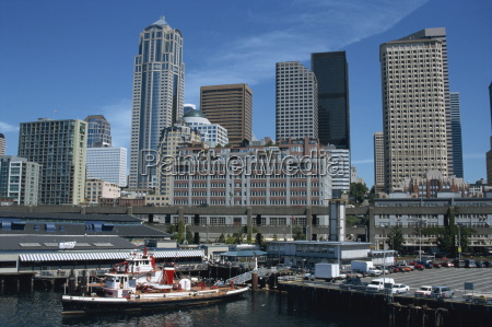 downtown waterfront and ferry harbour seattle
