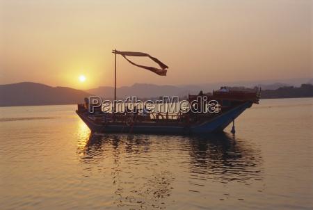 the royal barge at the lake