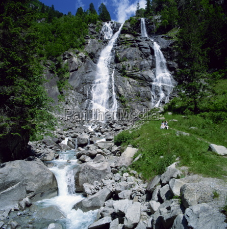 the cascata di nardis in the
