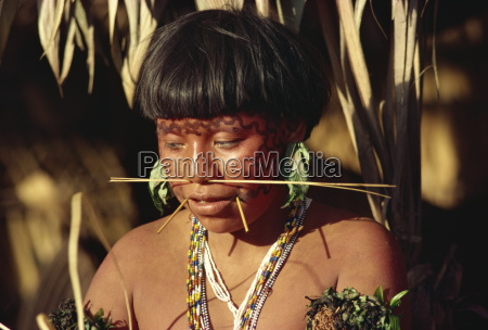 portrait of a yanomami woman with