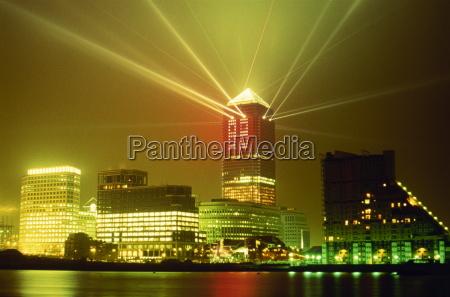 new year light show canary wharf