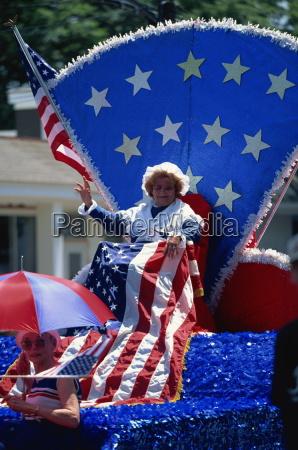 patriotic float at bristols famous 4th