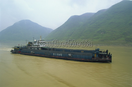 coal barge on the scenic three