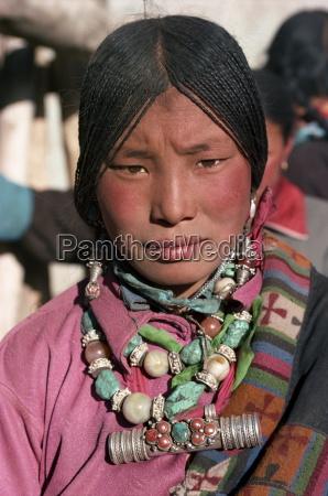 portrait of a tibetan nomad woman