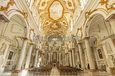 ornate interior columns stucco and friezes