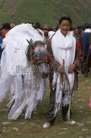 local horse race winner sogxian tibet