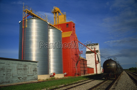 grain elevators willingdon alberta canada north