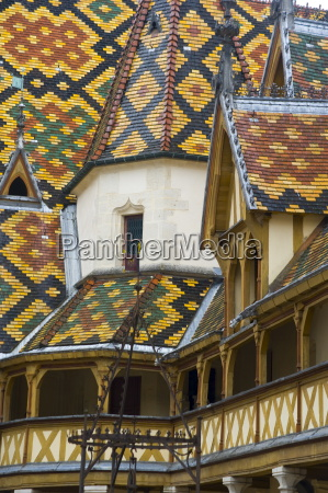 the colourful tiled roof at the