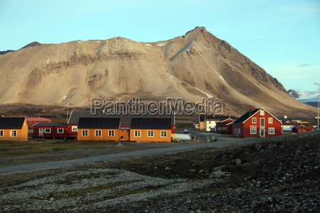 ny alesund the most northerly settlement