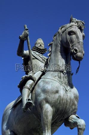 equestrian statue of philip iii plaza