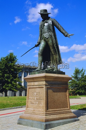 statue of col william prescott charlestown
