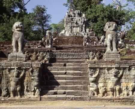 elephant terrace of royal palace angkor