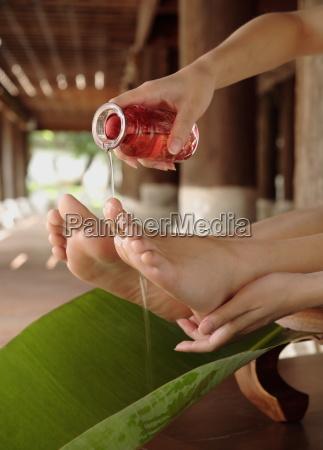 foot treatment at dhara devi mandarin
