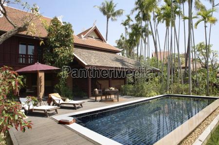 pool of villa at the mandarin