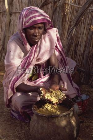 wild berries eaten during famine in