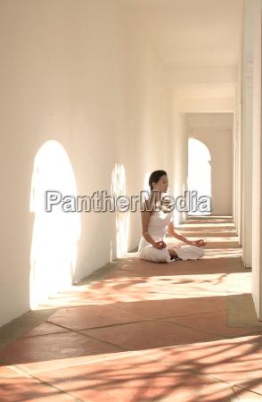 meditation at the mandarin oriental dhara