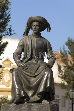 statue of prince hey the navigator
