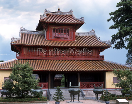 hien lam the pavilion of the