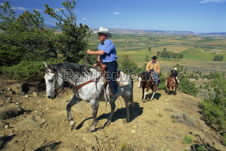 riding at shoemaker lonesome spur ranch