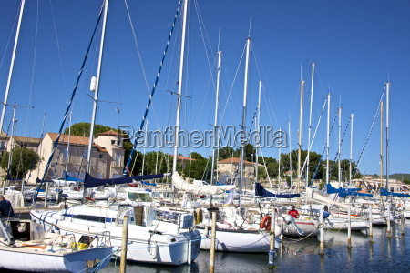 marina and sail boats bouzigues thau