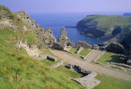 tintagel castle associated with the legend