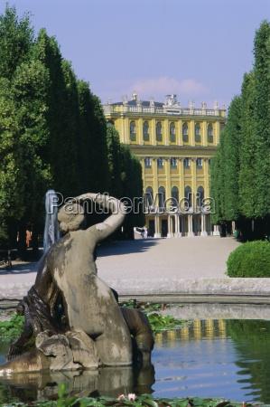 naiad fountain schonbrunn unesco world heritage
