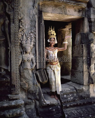 traditional cambodian apsara dancer temples of