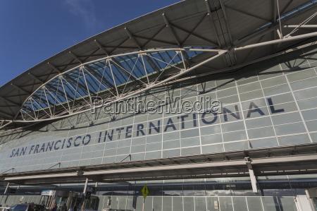 entrance to international airport san francisco