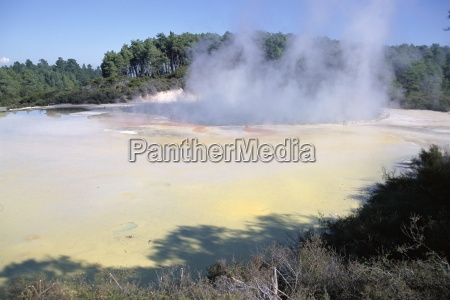 champagne pools steaming waiotapu thermal reserves