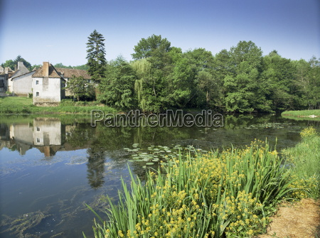 river and village houses angles sur