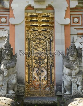 door of a wealthy balinese household