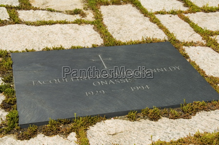 tomb of jackie kennedy onassis at