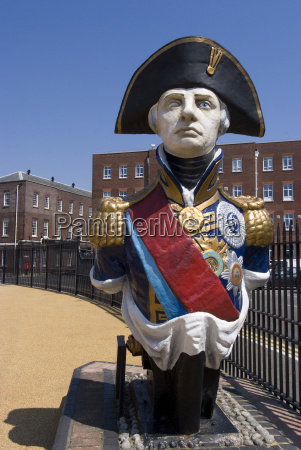 ship figurehead of admiral nelson portsmouth