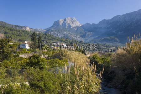 view up fertile valley to puig