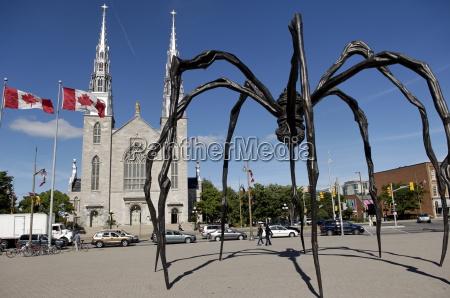 maman a 21st century bronze sculpture