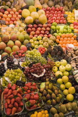 fruit and vegetable display la boqueria