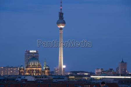 fernsehturm television tower telespargel toothpick evening