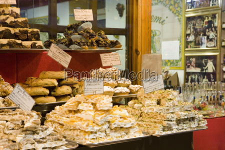 window display of traditional torrone cakes