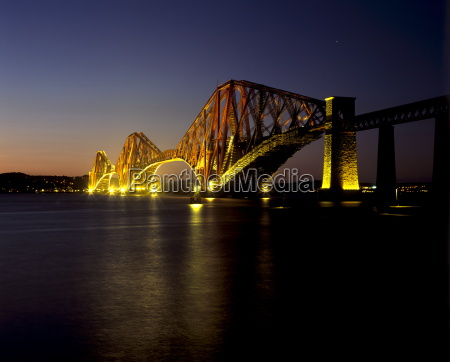 forth rail bridge built between 1883