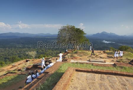 school children at summit of sigiriya