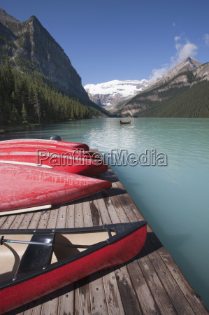 canoes for hire on lake louise