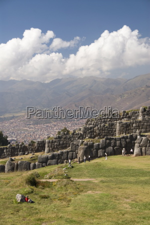 inca fortification of sacsayhuaman with cuzco